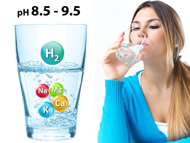 Uống nước ion kiềm là cách đơn giản giúp tăng độ kiềm trong cơ thể