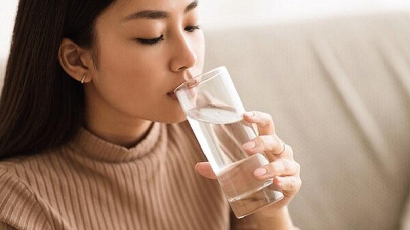 Uống nước đúng giờ có vai trò rất quan trọng đối với sức khỏe