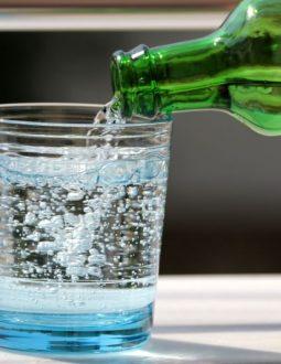 Công dụng của nước điện giải kiềm đối với sức khỏe con người