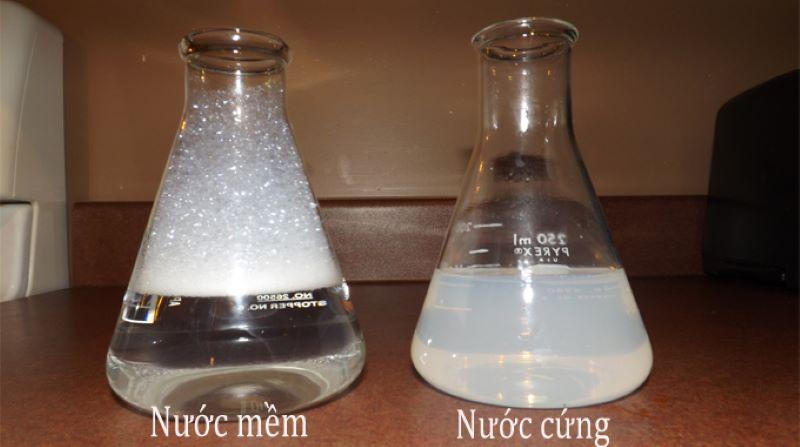 Nước cứng vĩnh cửu chứa các ion Ca2+ và Mg2