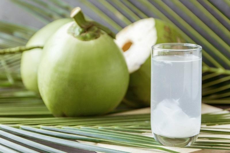 Trước khi dùng nước dừa bạn nên hiểu rõ nước dừa có tính kiềm hay axit