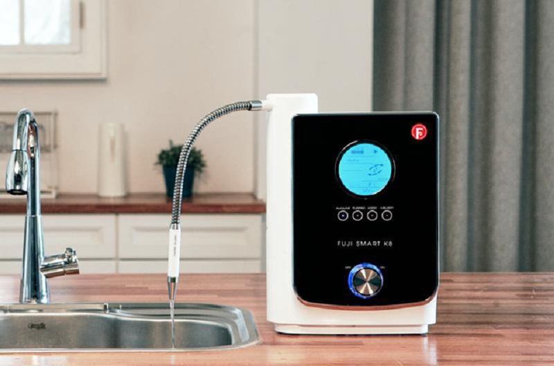 Nước ion kiềm là dạng nước được tạo ra thông qua quá trình điện giải của máy lọc điện giải