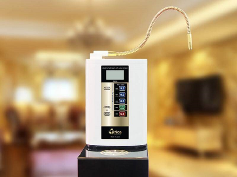 Vòi nước của Atica Gold được mạ vàng giúp đem lại vẻ sang trọng cho không gian nhà bếp