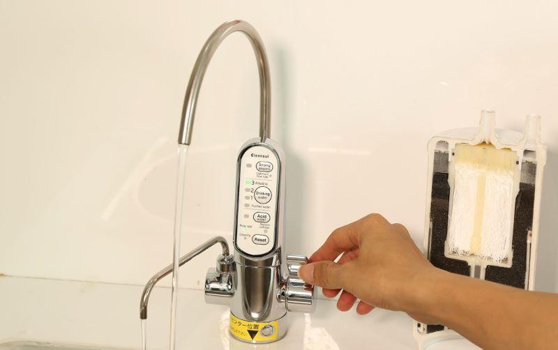 Cleansui Alkaline AL700E giúp tiết kiệm tối đa lượng nước đầu vào
