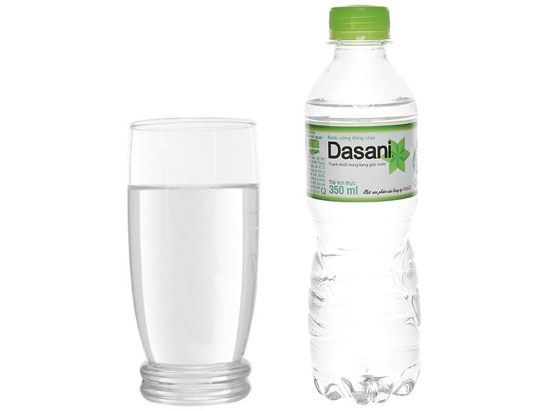 Nước tinh khiết giúp bù nước nhanh chóng