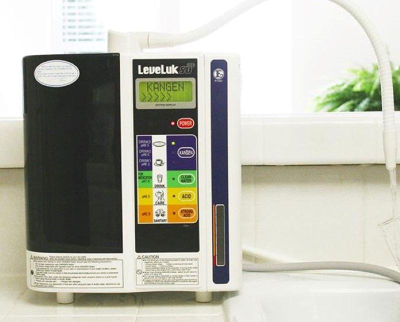 Máy lọc nước ion kiềm Kangen - Enagic LeveLuk SD501 sở hữu thiết kế hiện đại và thông minh